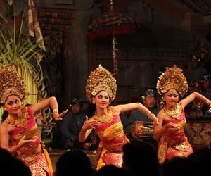 Foto penari tari pendet