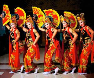 Foto penari gandrung banyuwangi